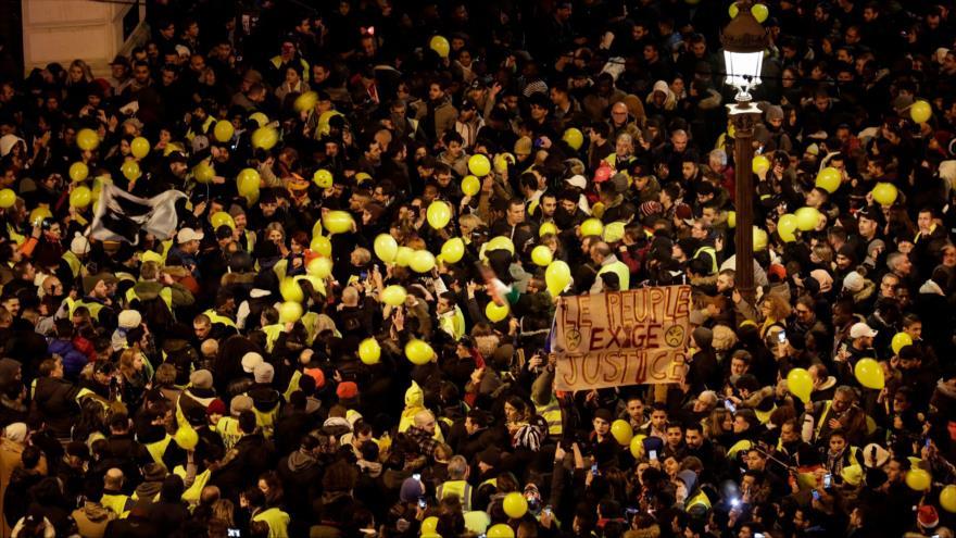 Los 'chalecos amarillos' no cesan sus protestas ni en el Año Nuevo | HISPANTV
