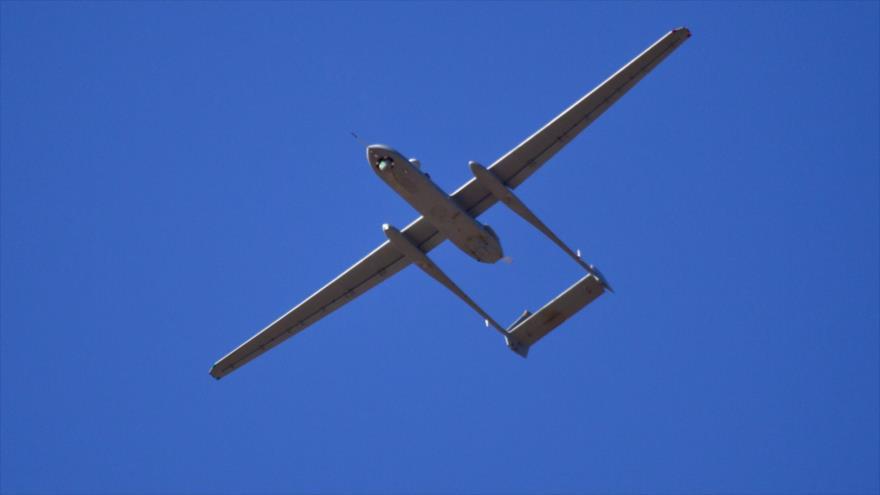 Un dron tipo Heron de las fuerzas aéreas de Israel sobrevuela los territorios palestinos ocupados.
