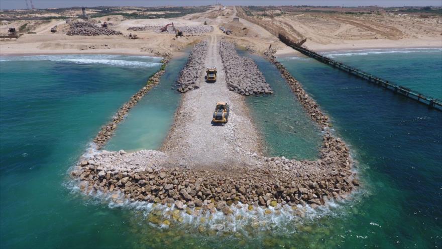Israel levanta un muro de separación en límite marítimo de Gaza | HISPANTV