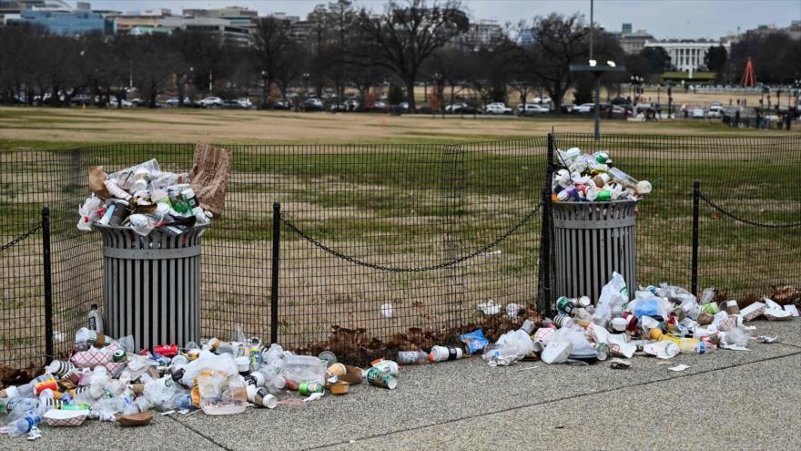 Basura acumulada debido al cierre parcial del Gobierno de EE.UU., National Mall, Washington, 2 de enero de 2019. (Foto: AFP)