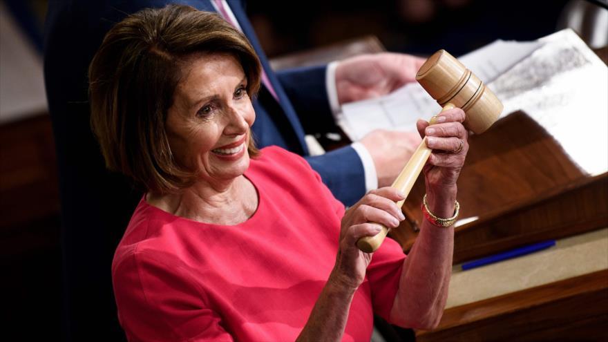 Pelosi presidirá la Cámara Baja con planes para destituir a Trump