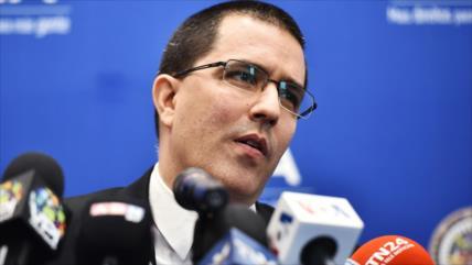 Caracas, dispuesta a dialogar con Bolsonaro para aliviar tensiones