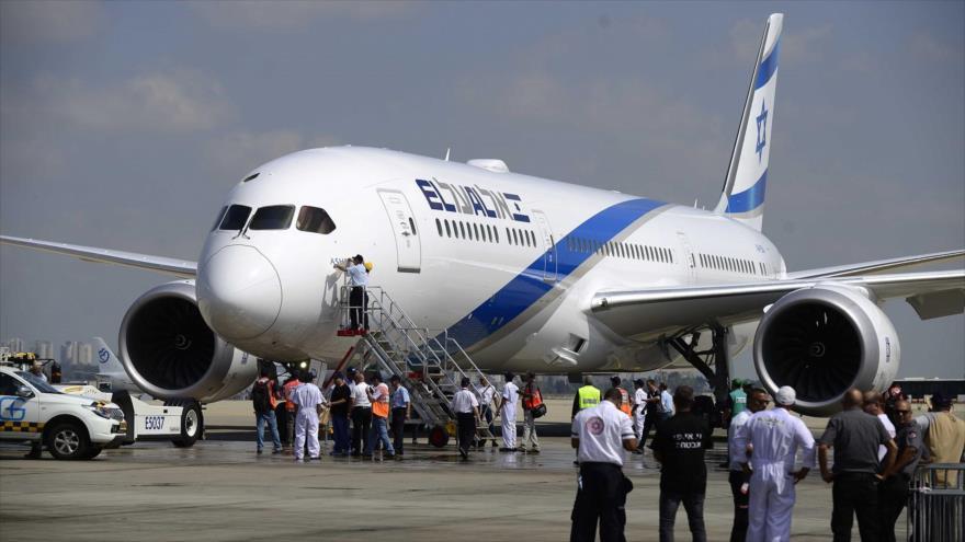 Un avión Boeing 787 de la aerolínea israelí El Al llega al Aeropuerto Internacional Ben Gurion, cerca de Tel Aviv, 23 de agosto de 2017.