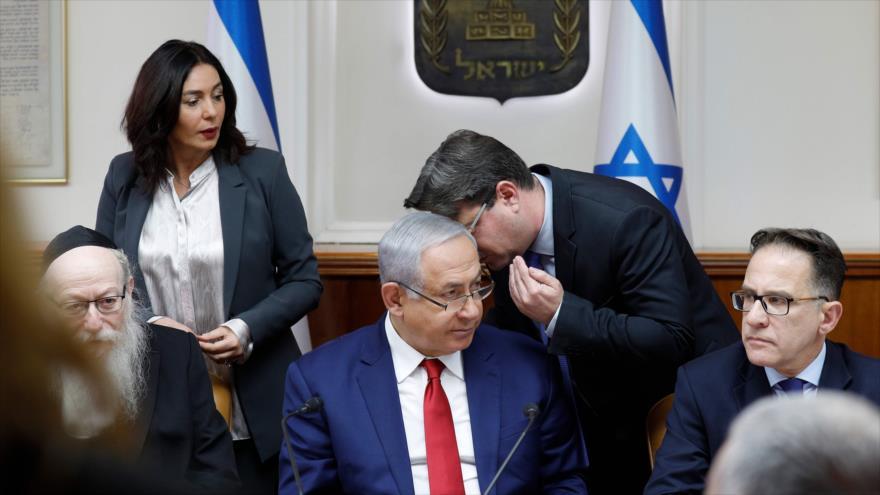Primer ministro israelí, Benjamín Netanyahu, durante una reunión de su gabinete, 6 de enero de 2019. (Foto: AFP)
