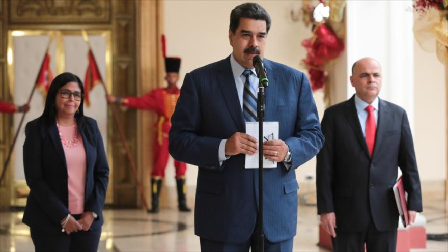 Maduro: Duque no va ni al baño sin permiso del embajador de EEUU | HISPANTV