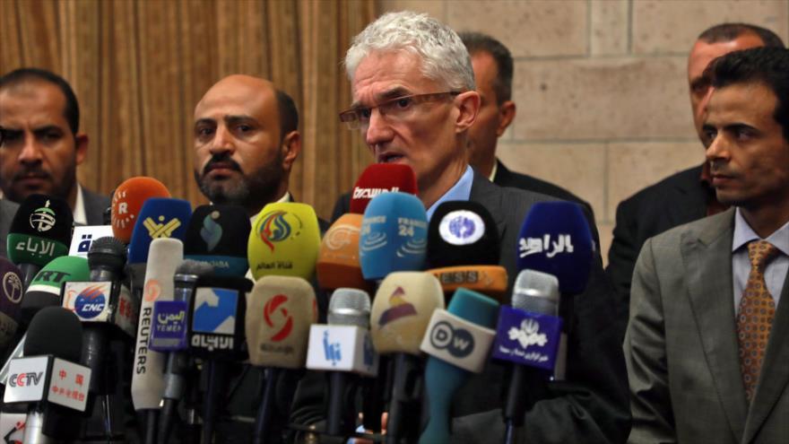 El subsecretario general de la ONU para Asuntos Humanitarios en una rueda de prensa en Saná, la capital yemení, 29 de noviembre de 2018. (Foto: AFP)