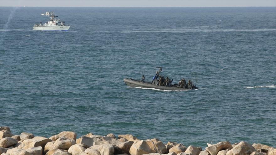 Fuerzas israelíes patrullan las costas de la Franja de Gaza, 8 de octubre de 2018. (Foto: AFP)