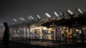 """Cazas iraníes derriban misiles y objetivos """"enemigos"""""""