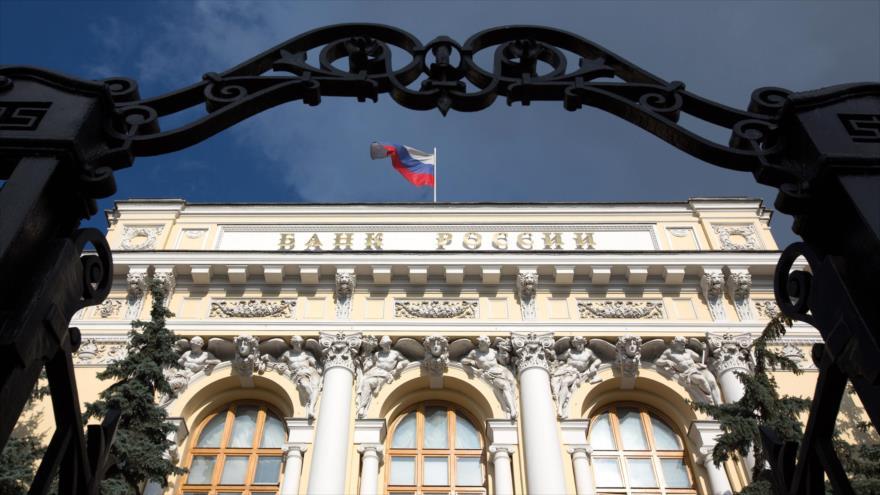 Rusia sale exitosa de su lucha contra dominio del dólar en 2018 | HISPANTV