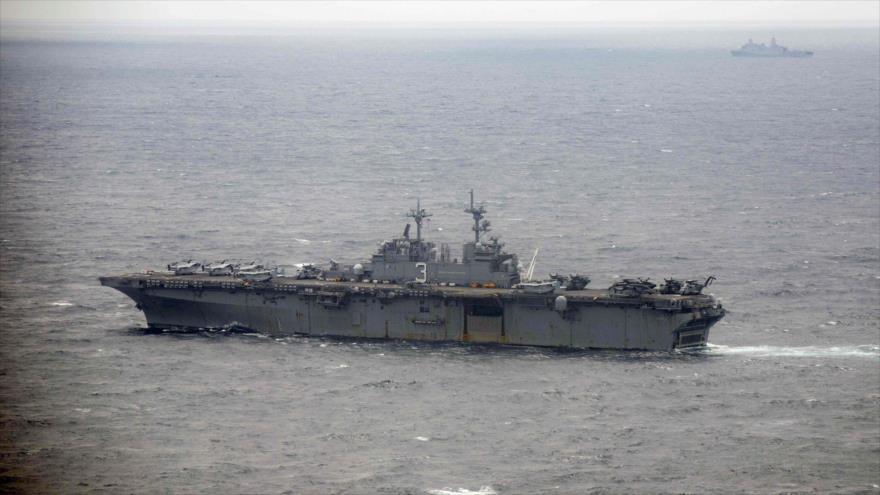 El buque de guerra estadounidense USS Kearsarge en el océano Atlántico, 17 de septiembre de 2018. (Foto: AFP)