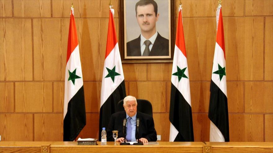 El canciller sirio, Walid al-Moalem, ofrece una rueda de prensa en Damasco (capital).