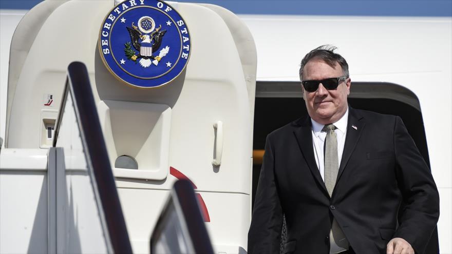 El secretario de Estado de EE.UU., Mike Pompeo, arriba al Aeropuerto Internacional de Manama, Baréin, 11 de enero de 2019. (Foto: AFP)