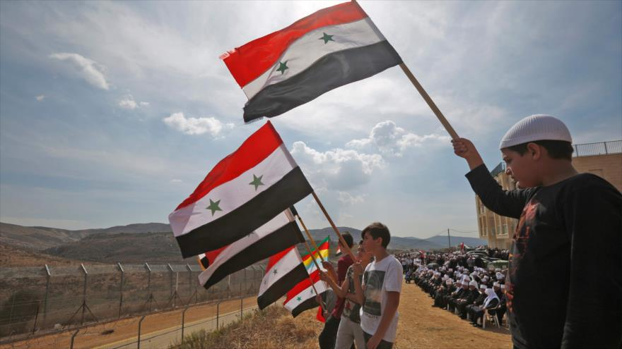 Sirios drusos rememoran la guerra árabe-israelí de 1973 en los altos del Golán, ocupados por Israel, 6 de octubre de 2018. (Foto: AFP)