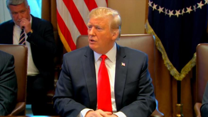 Trump insiste en muro; culpa a demócratas por cierre del Gobierno
