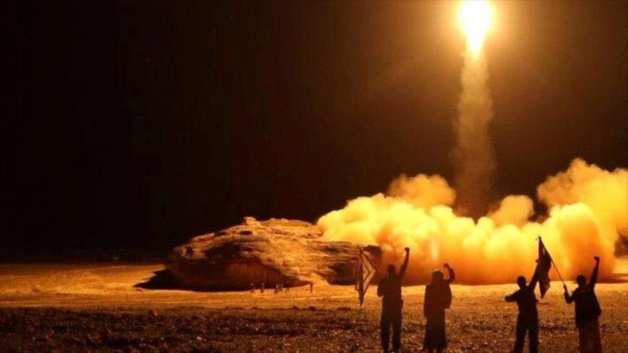 Fuerzas yemeníes atacan con misiles Arabia Saudí
