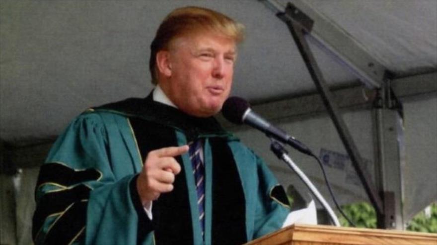 """Trump, donde dije digo, digo Diego: """"Si ves un muro, atraviésalo"""""""