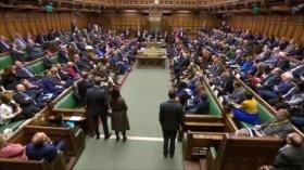 El Parlamento británico rechaza el acuerdo del Brexit