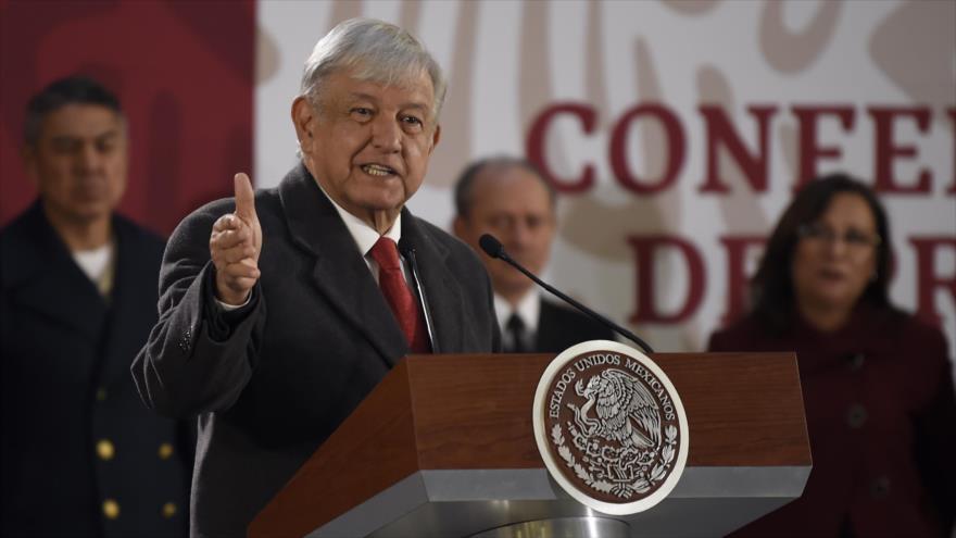 El presidente mexicano, Andrés Manuel López Obrador, ofrece una conferencia de prensa en la Ciudad de México, 14 de enero de 2019. (Foto: AFP)