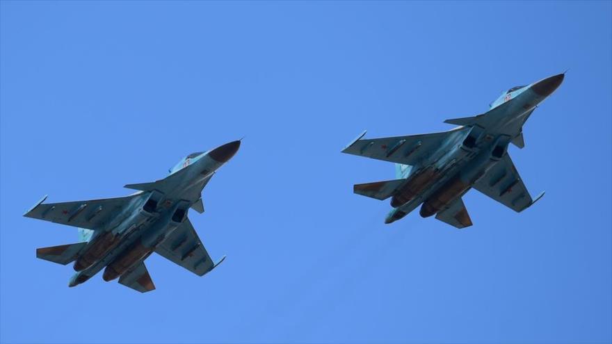 Dos aviones de combate Su-34 de Rusia.