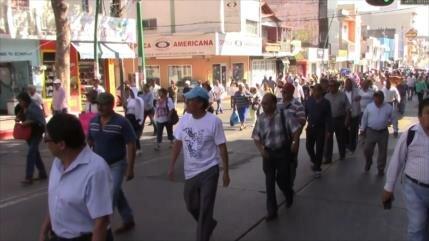 Gobierno de Chiapas adeuda a maestros interinos y jubilados