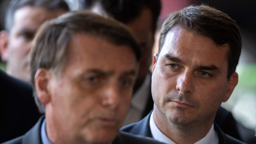 Detectan depósitos sospechosos en cuenta del hijo de Bolsonaro | HISPANTV