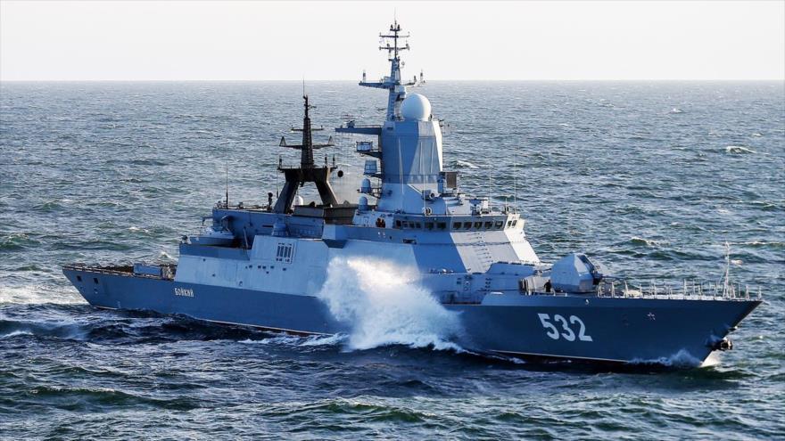 La corbeta de la Armada rusa Bóiki.