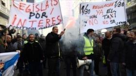 Taxistas protestan en Madrid contra los VTC