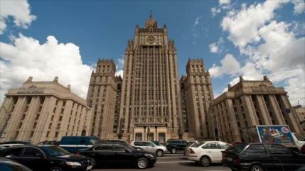 """Rusia amenaza a UE con """"represalias"""" por sanciones por Skripal"""