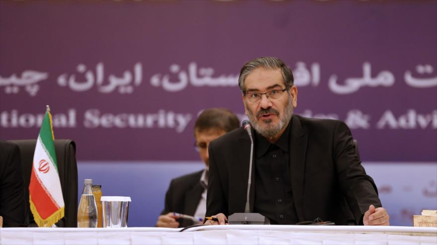 El secretario del Consejo Supremo de Seguridad Nacional de Irán, Ali Shamjani, ofrece un discurso en Teherán, 26 de septiembre de 2018. (Foto: AFP)
