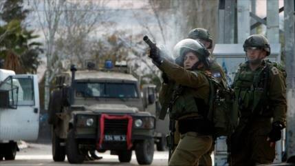 Un palestino muere por disparos israelíes en Cisjordania