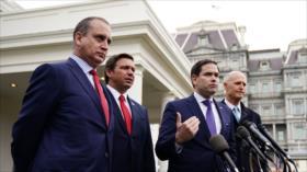 Piden a Trump que reconozca a Guaidó como presidente venezolano