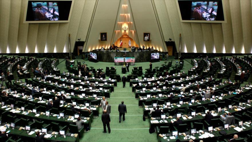 Parlamento iraní considera el arresto de Hashemi un 'acto político'