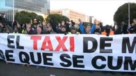 Policía se enfrenta a taxistas en Madrid en tercer día de protestas