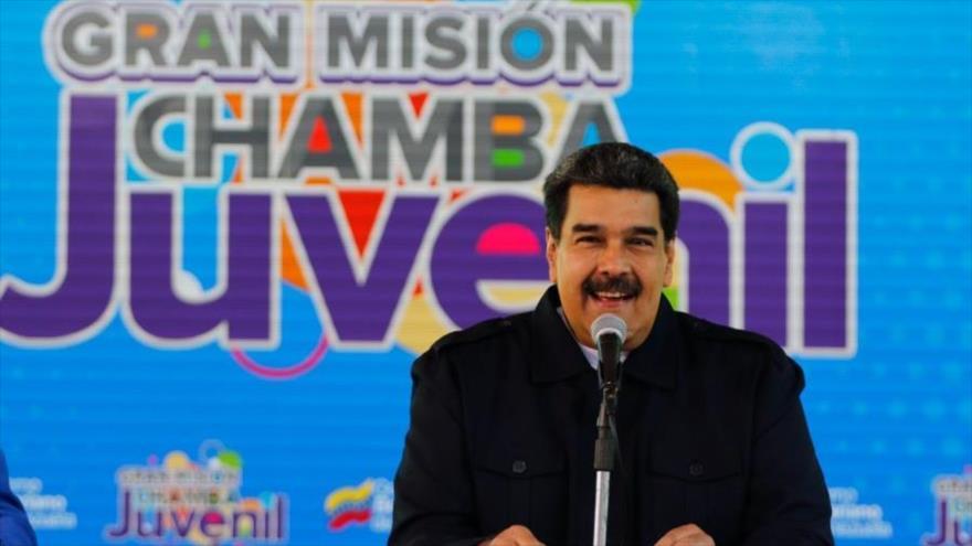 El presidente venezolano, Nicolás Maduro, ofrece un discurso en el acto de Gran Misión de Chamba Juvenil en Caracas, 26 de enero de 2019. (Foto: AFP)