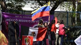 Mexicanos protestan contra apoyo de EEUU al golpismo en Venezuela