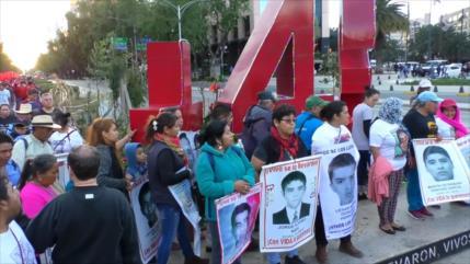 Marcha de padres de familia y otras protestas en México