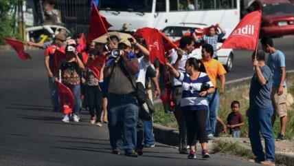 Policía hondureña reprime protestas ciudadanas contra el Gobierno
