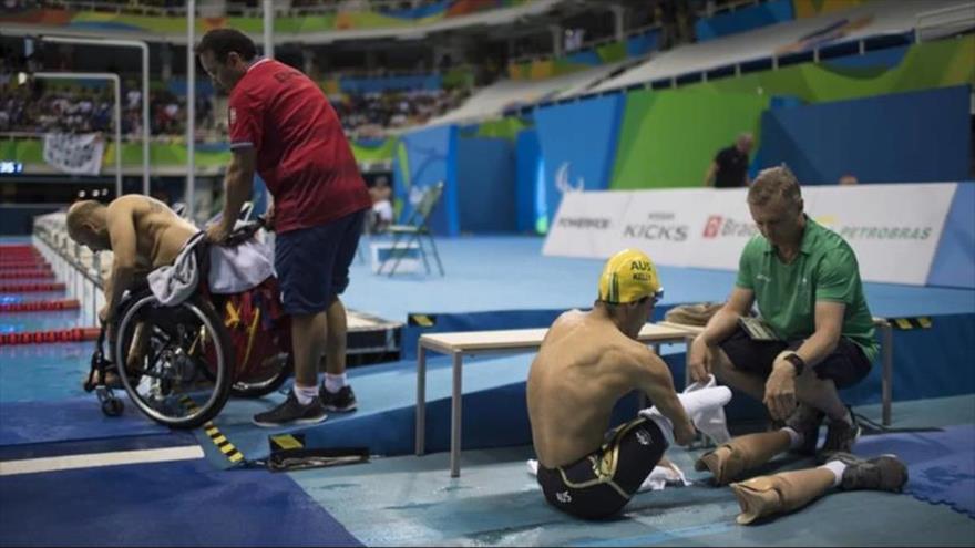 Nadadores en un torneo internacional.
