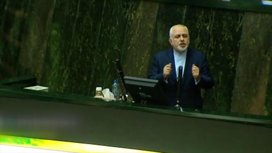 Zarif: Acuerdo nuclear ha aislado a EEUU a nivel internacional