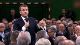 """Macron propone debate nacional a los """"chalecos amarillos"""""""