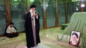 Líder iraní reafirma su compromiso con ideales del Imam Jomeini