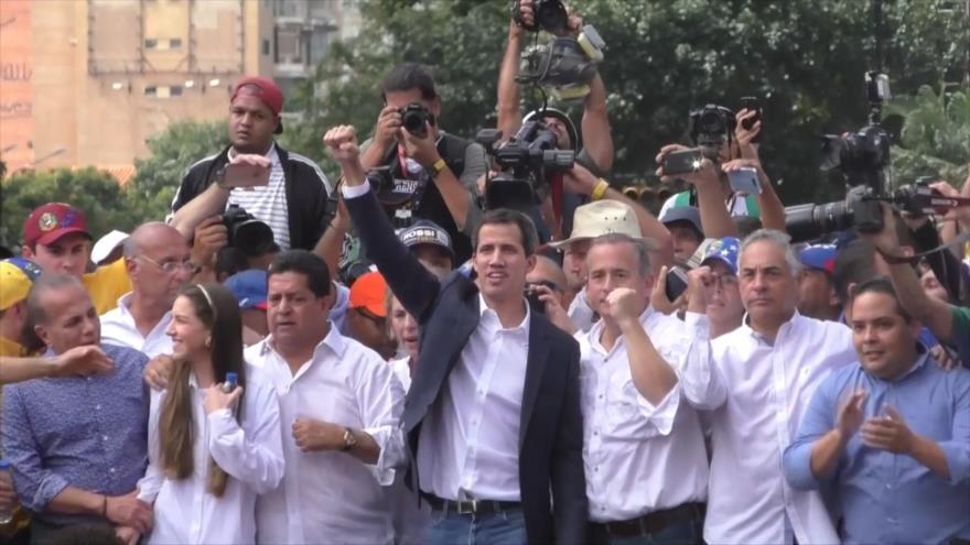 Justicia venezolana prohíbe salida del país a Juan Guaidó