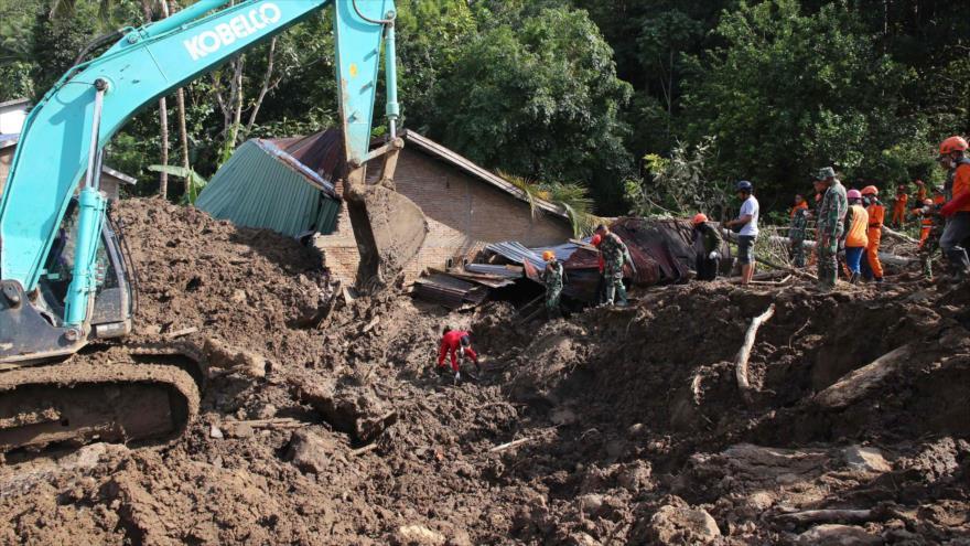 Al menos 70 muertos por deslizamientos de tierra en Indonesia   HISPANTV