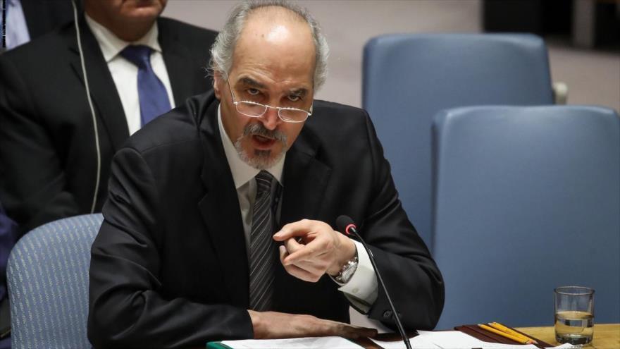 El representante de Siria ante la ONU, Bashar al-Yafari, en una sesión del Consejo de Seguridad de Naciones Unidas, 14 de abril de 2018. (Foto: AFP)