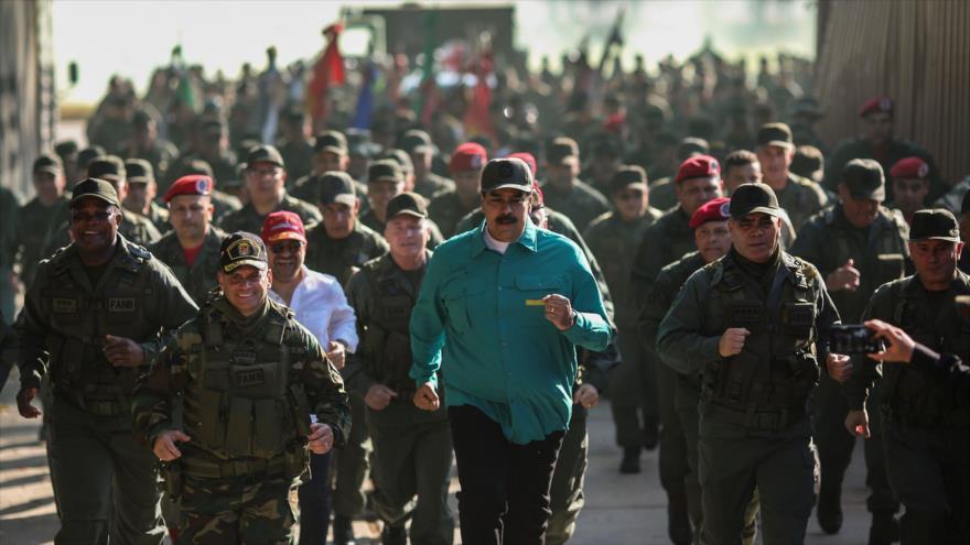 Guaidó ve 'crucial' apoyo de las Fuerzas Armadas para su plan golpista