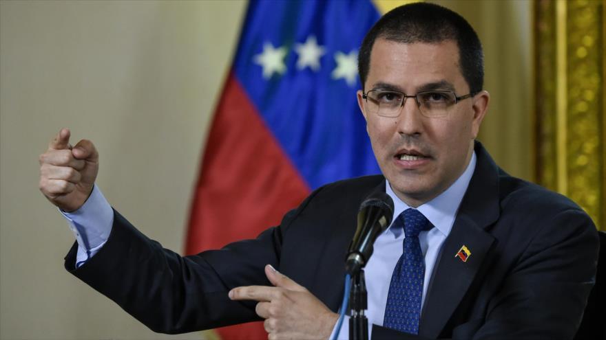 Venezuela acusa a medios de incumplir la ley para 'armar un escándalo'