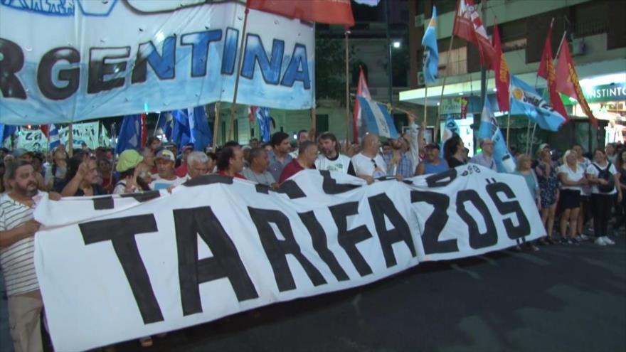 Furia en Argentina por tarifas y cortes de servicio