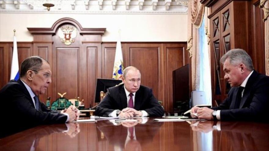 Rusia también suspende su participación en tratado INF con EEUU