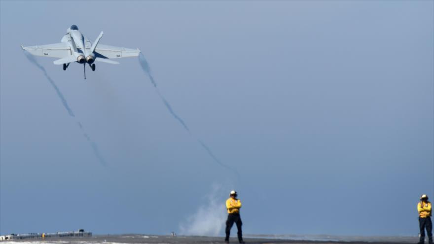 Aviones de EEUU bombardean blancos del Ejército sirio en Deir Ezzor
