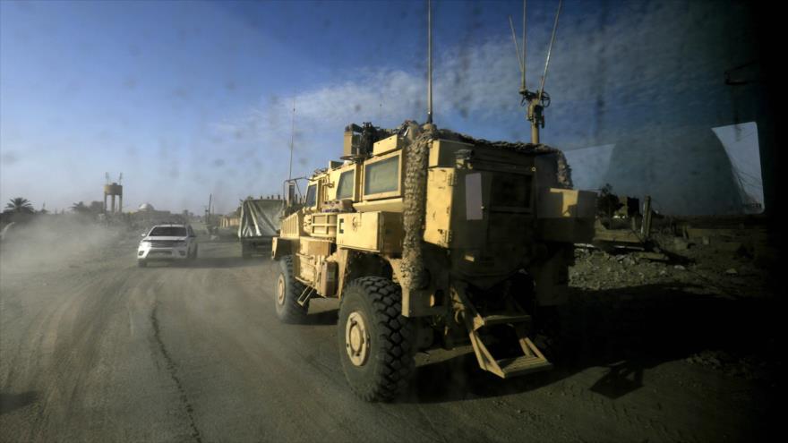Vehículos militares de la llamada coalición liderada por EE.UU. en la provincia siria de Deir Ezzor (este), 26 de enero de 2019. (Foto: AFP)